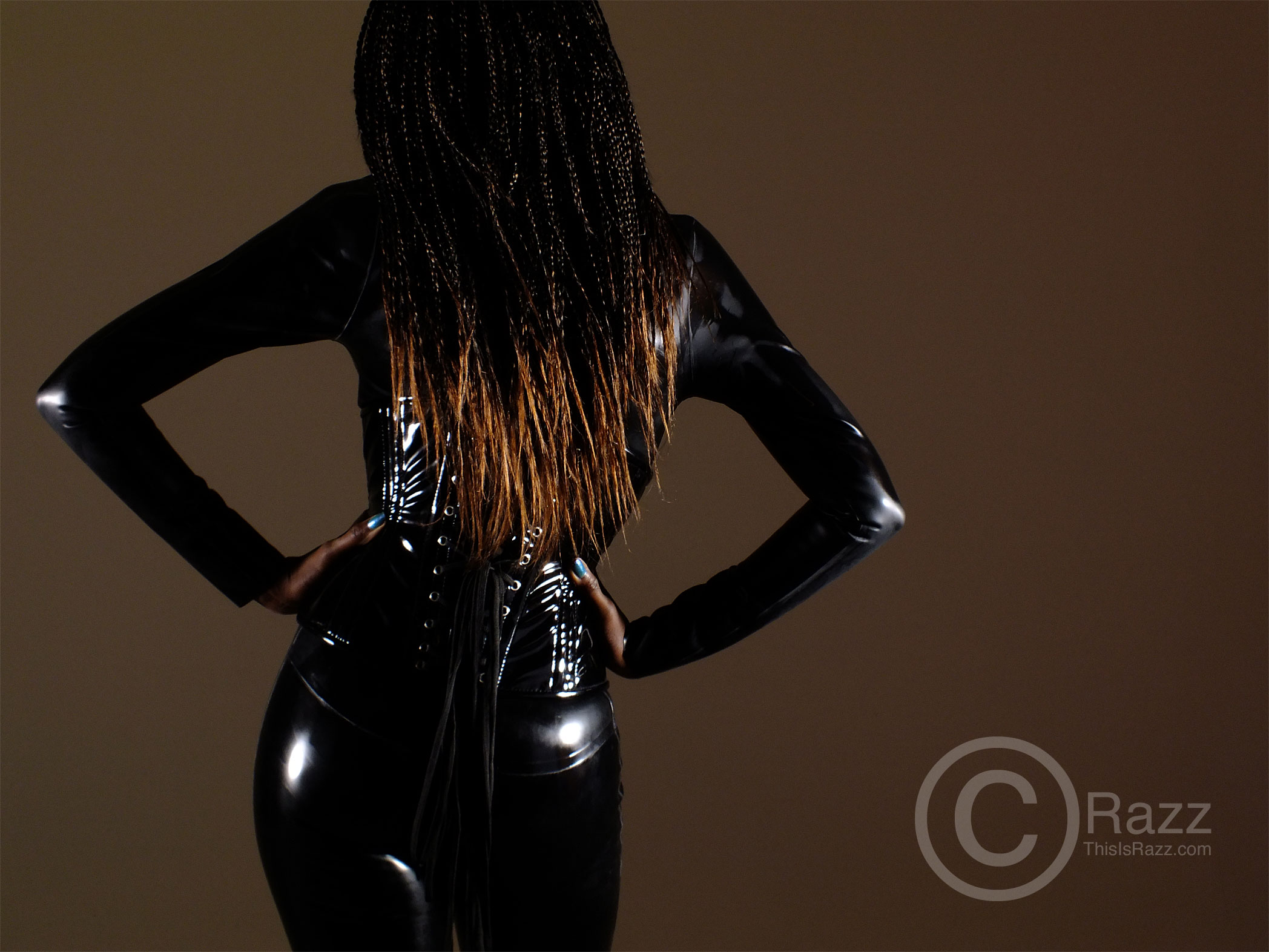 Kesetta : latex ass